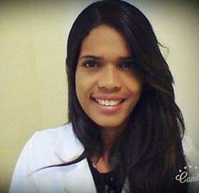 Dra. Tháina Santos Coelho Santos