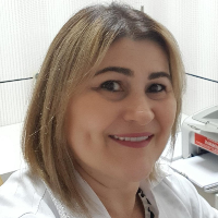 Dra. Célia Guimarães (Nutricionista)